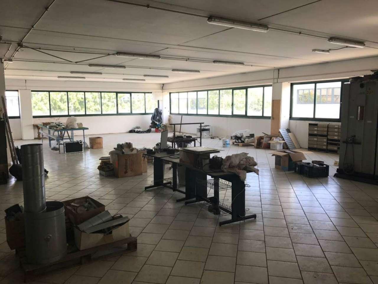 Capannone in vendita a Guidonia Montecelio, 1 locali, prezzo € 165.000 | CambioCasa.it