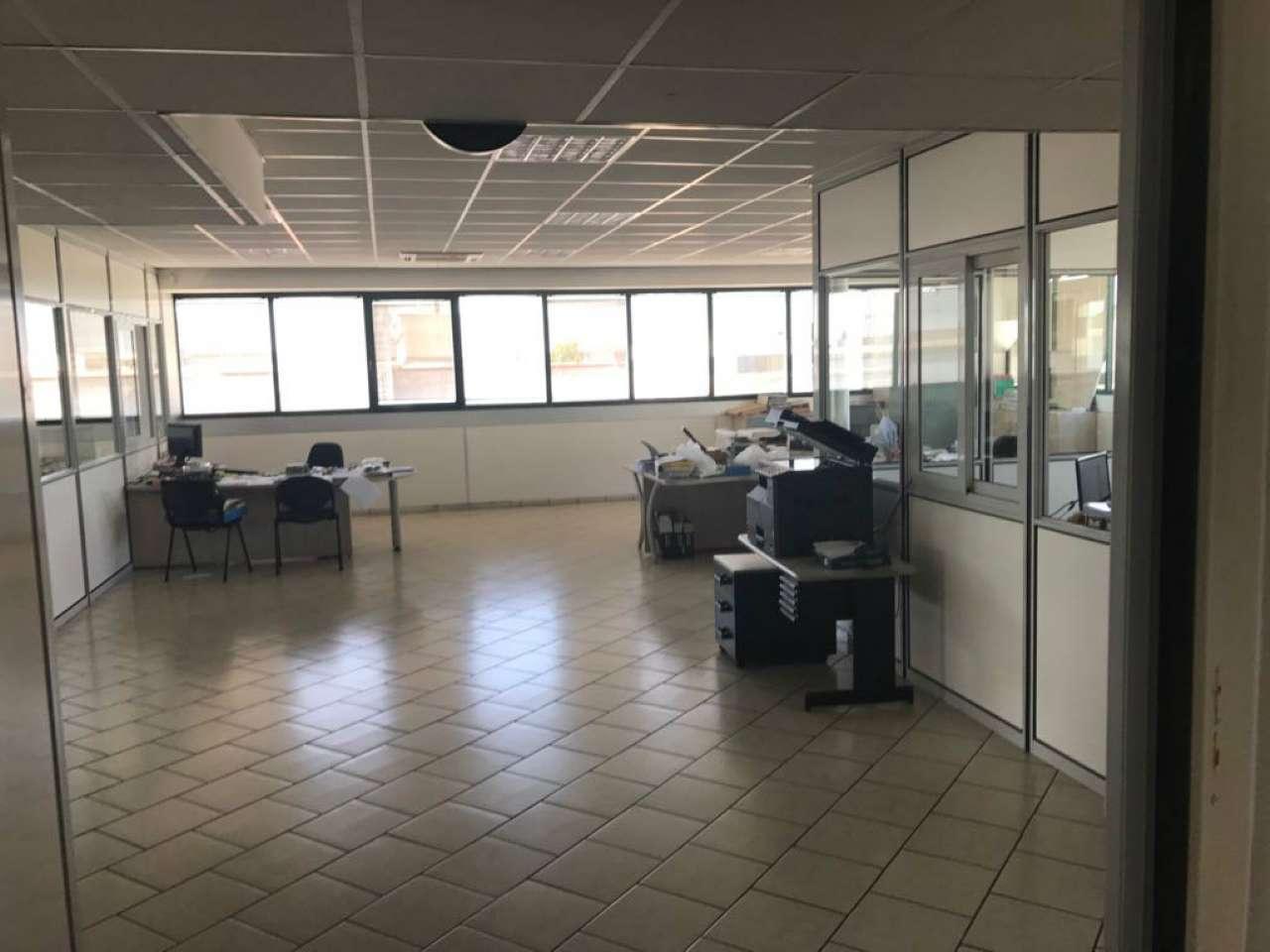 Laboratorio in affitto a Guidonia Montecelio, 1 locali, prezzo € 350.000 | CambioCasa.it