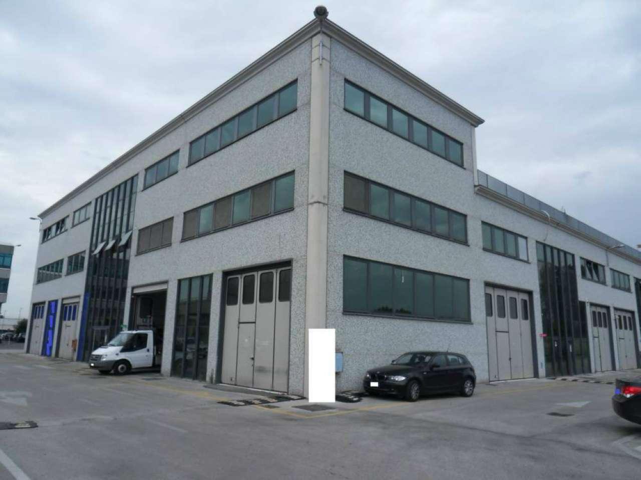 Ufficio / Studio in affitto a Guidonia Montecelio, 4 locali, prezzo € 550 | CambioCasa.it