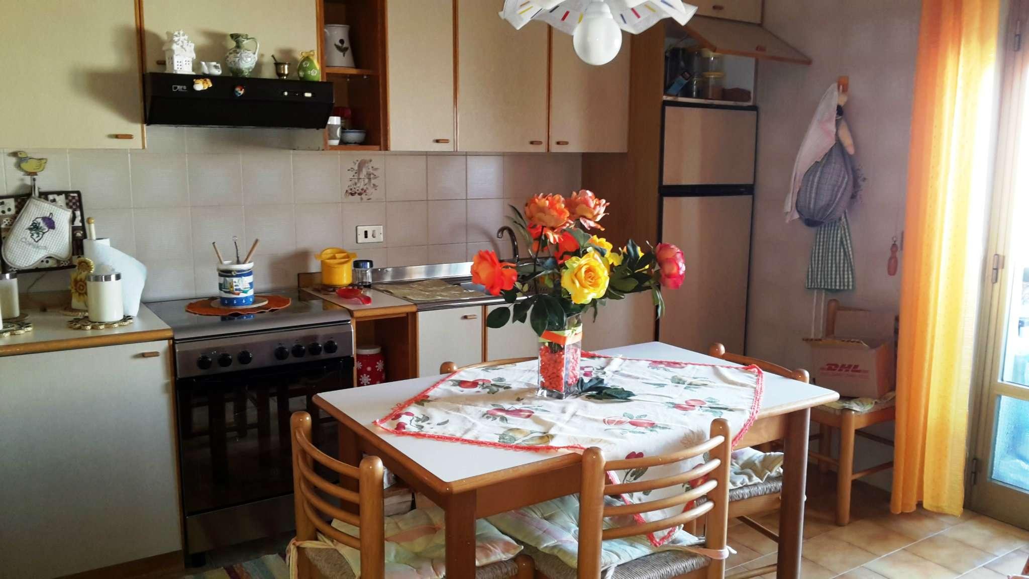 Appartamento in vendita a Trapani, 8 locali, prezzo € 105.000 | Cambio Casa.it