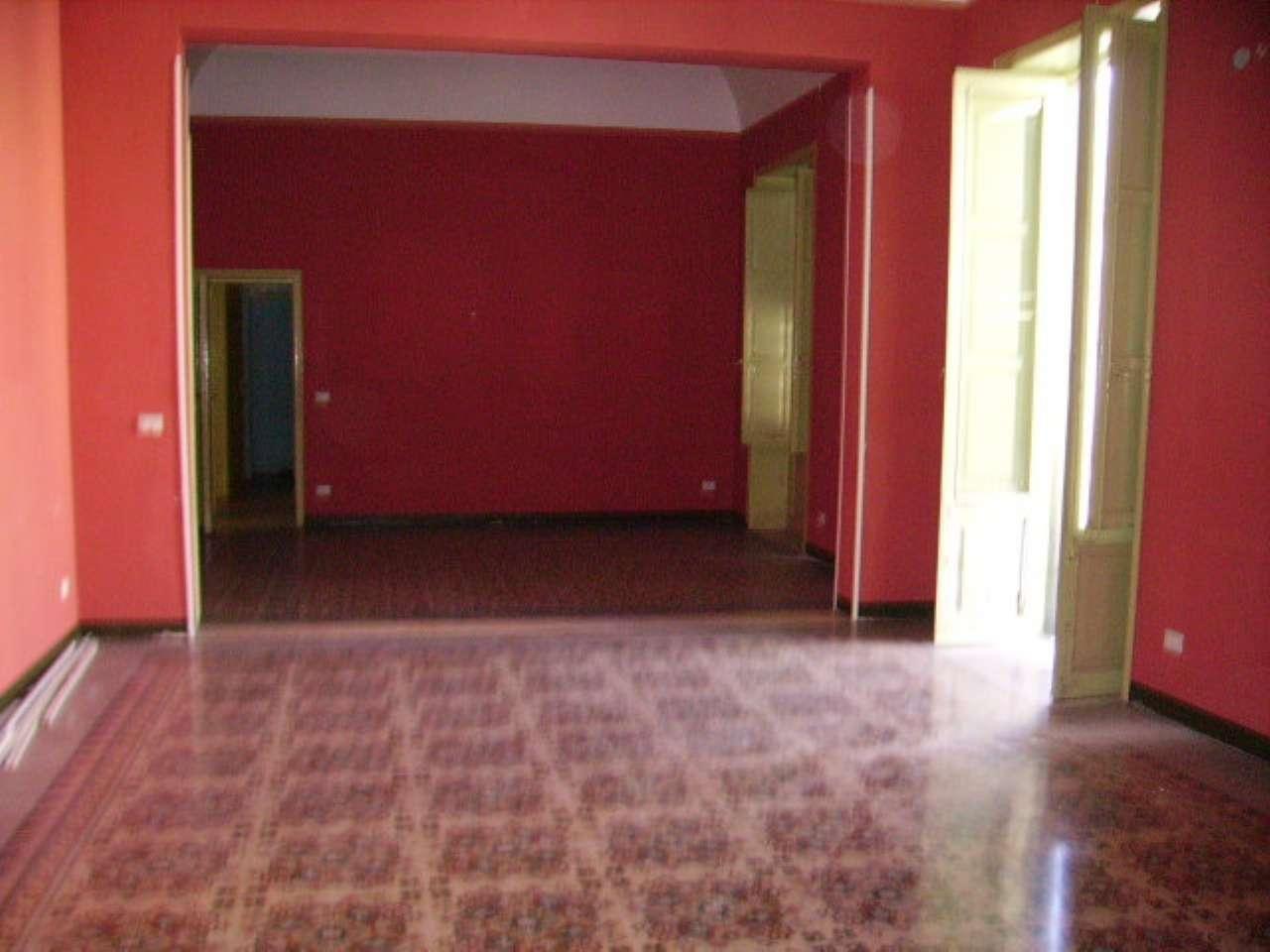 Ufficio / Studio in affitto a Trapani, 7 locali, prezzo € 700 | Cambio Casa.it