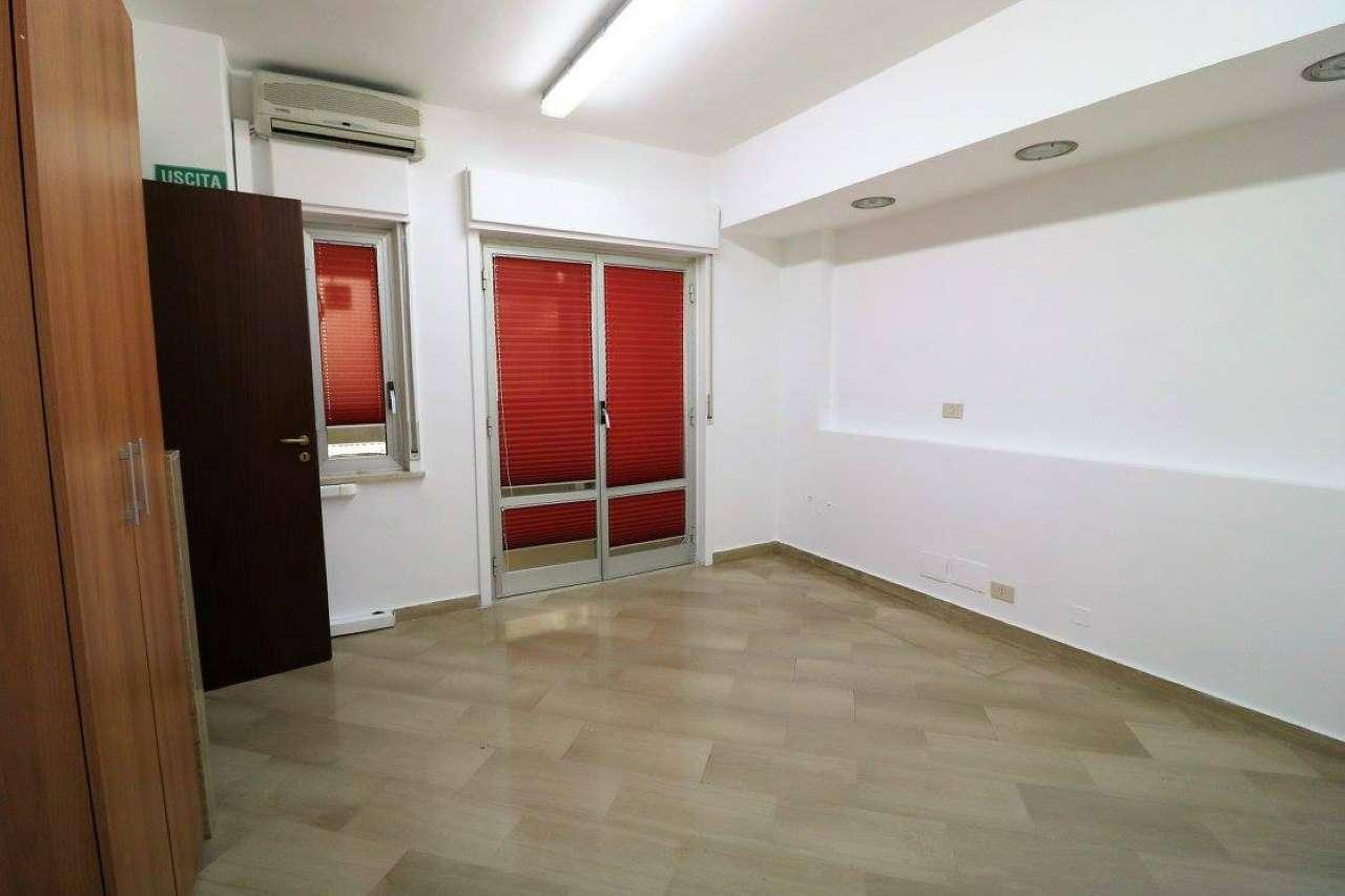 Ufficio / Studio in affitto a Trapani, 5 locali, prezzo € 380 | Cambio Casa.it