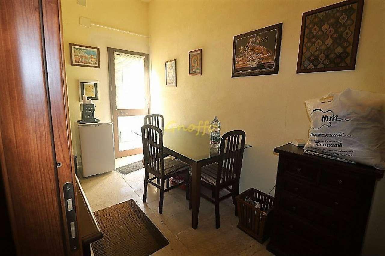 Negozio / Locale in affitto a Erice, 2 locali, prezzo € 550 | Cambio Casa.it
