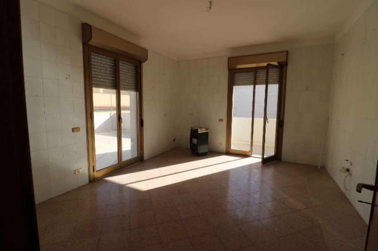 Appartamento in affitto a Erice, 5 locali, prezzo € 600 | CambioCasa.it