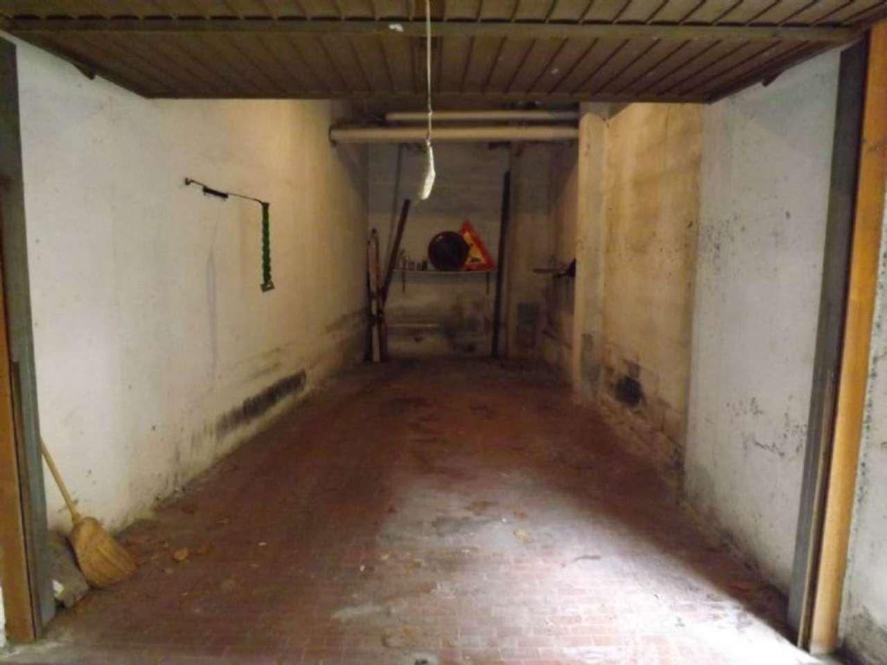 Box / Garage in affitto a Roma, 1 locali, zona Zona: 18 . Ardeatino - Grotta Perfetta - Fonte Meravigliosa, prezzo € 180 | Cambio Casa.it