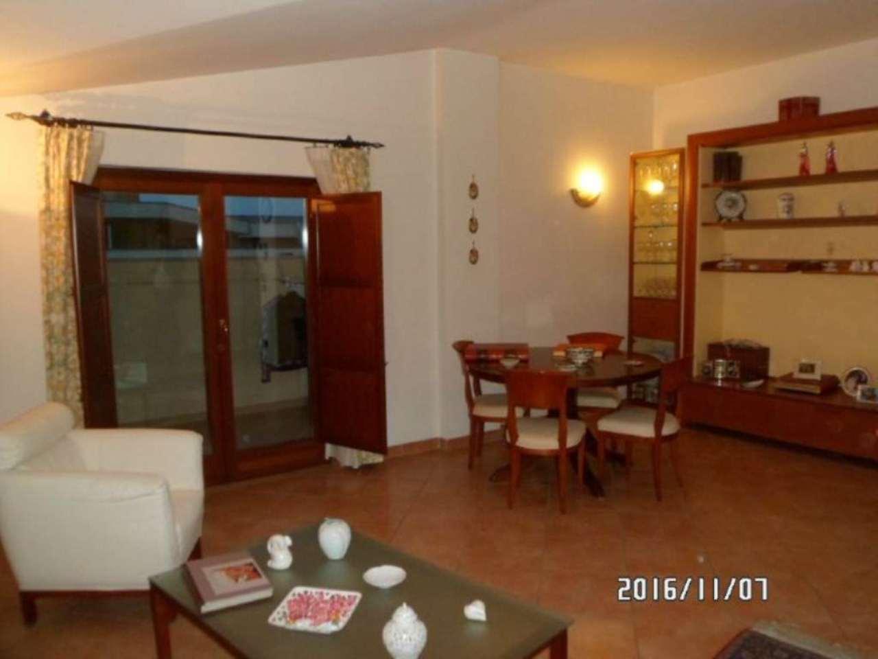 Appartamento in vendita a Lusciano, 4 locali, prezzo € 166.000   CambioCasa.it