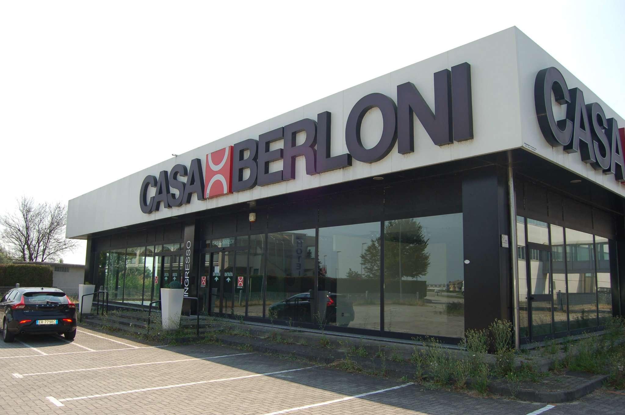 Locale commerciale in vendita a Villanova Monferrato (AL)