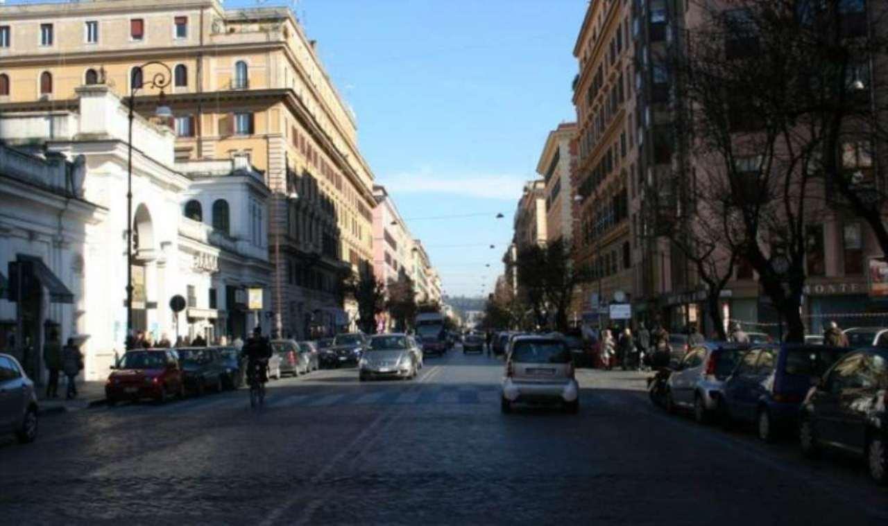 Attività / Licenza in affitto a Roma, 2 locali, zona Zona: 30 . Prati, Borgo, San Pietro, prezzo € 22.000 | Cambio Casa.it
