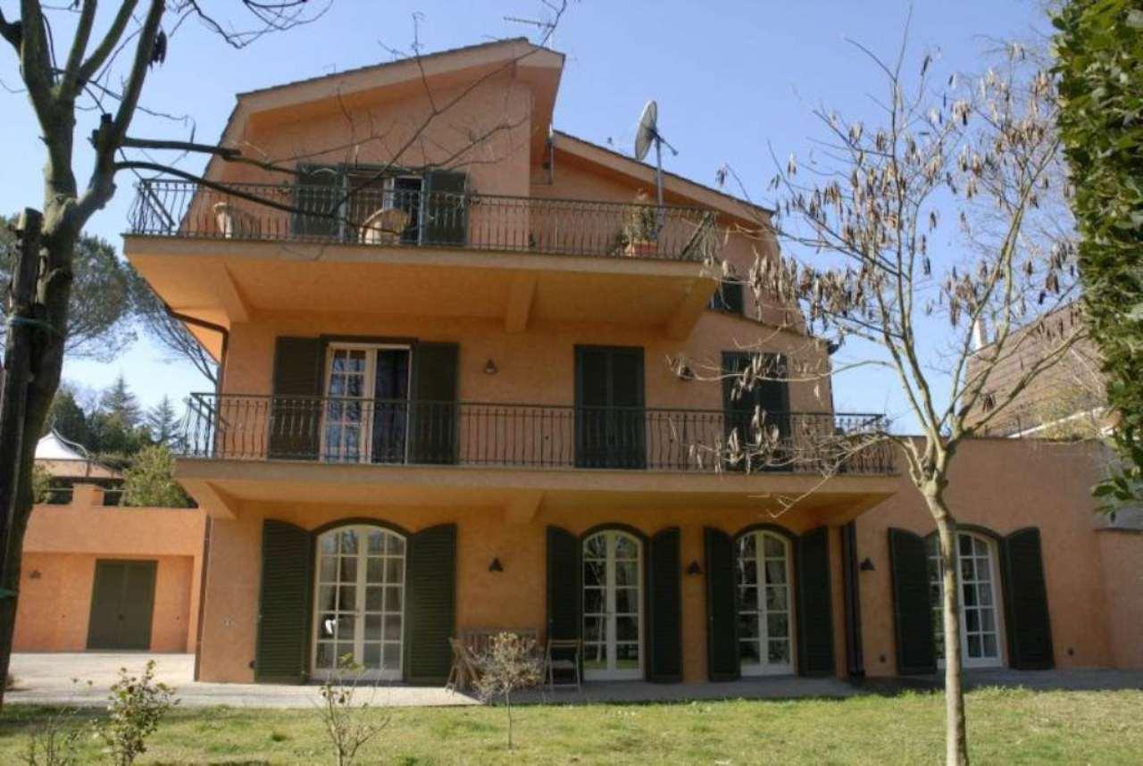 Villa in affitto a Formello, 9 locali, prezzo € 4.200 | Cambio Casa.it