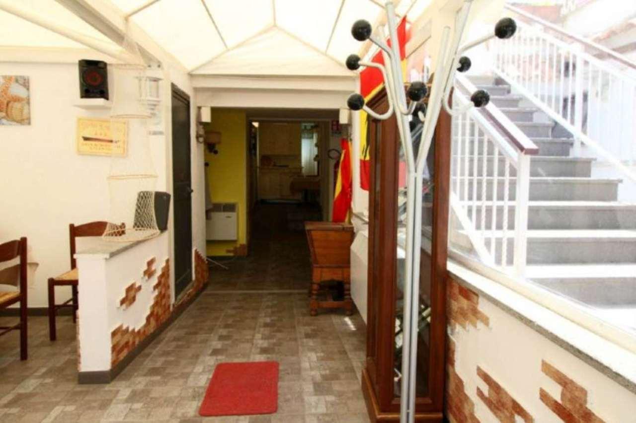 Immobile Commerciale in vendita a Castel Gandolfo, 9999 locali, prezzo € 800.000 | Cambio Casa.it