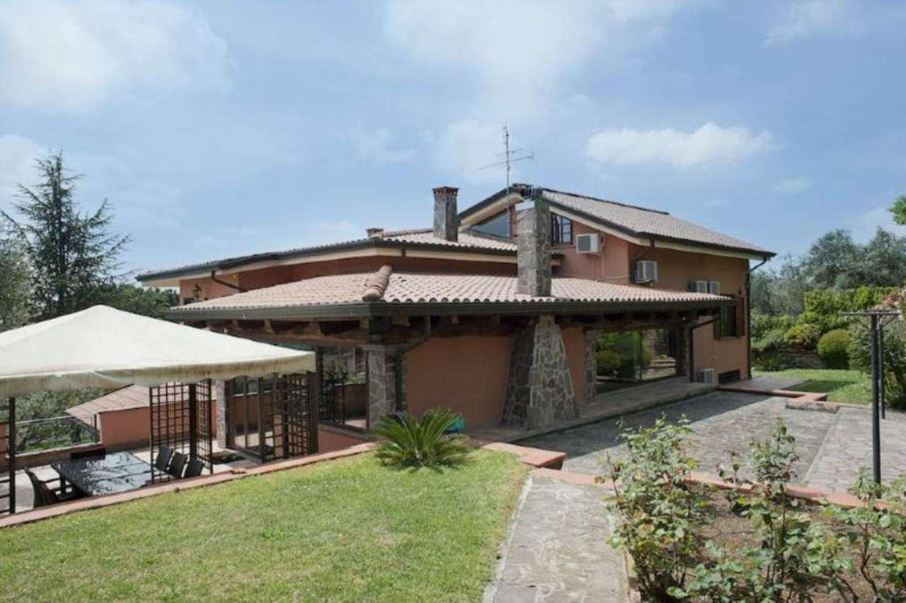 Villa in vendita a Sant'Oreste, 16 locali, Trattative riservate | Cambio Casa.it