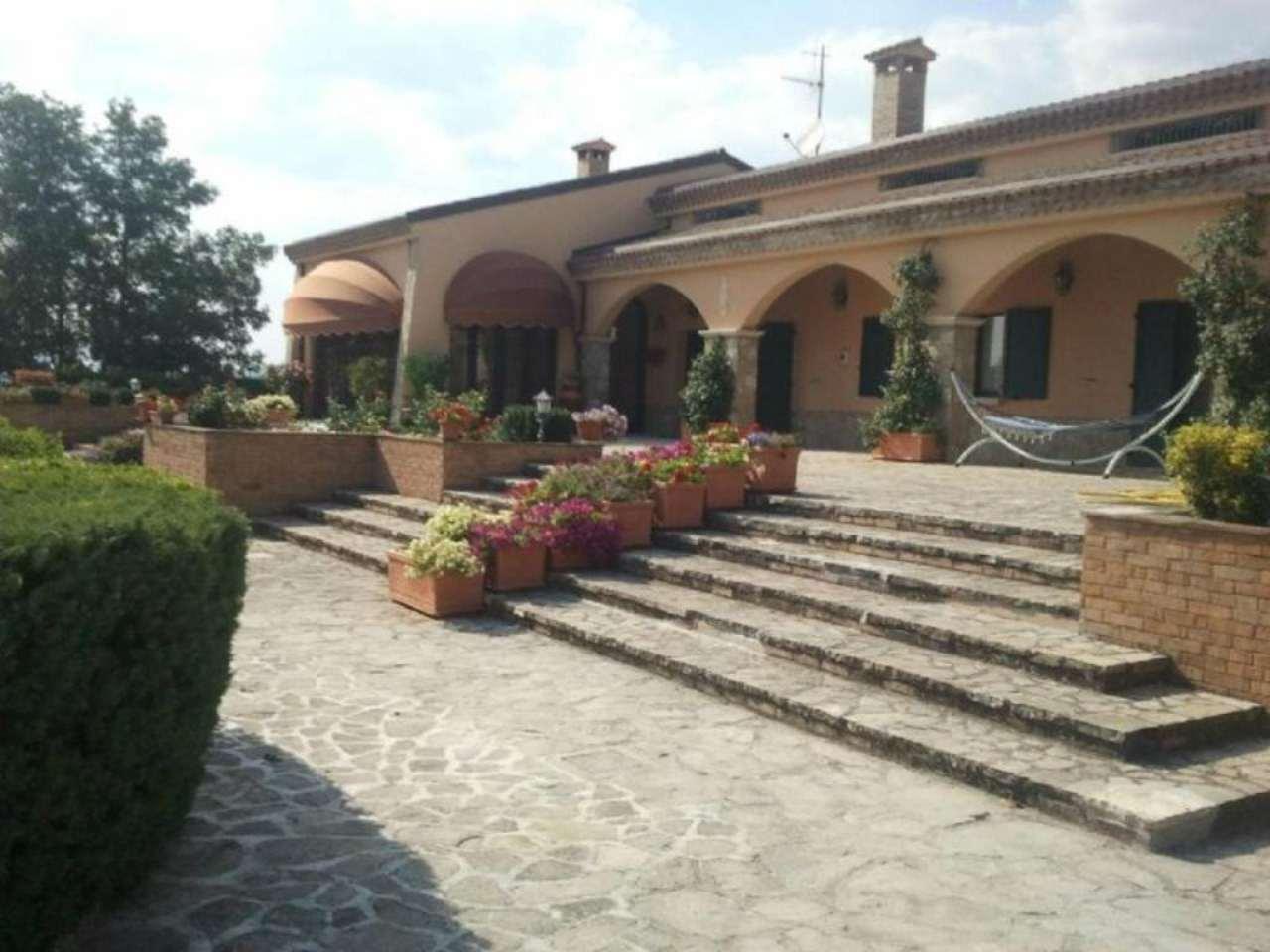 Villa-Villetta in Vendita Forenza in provincia di Potenza