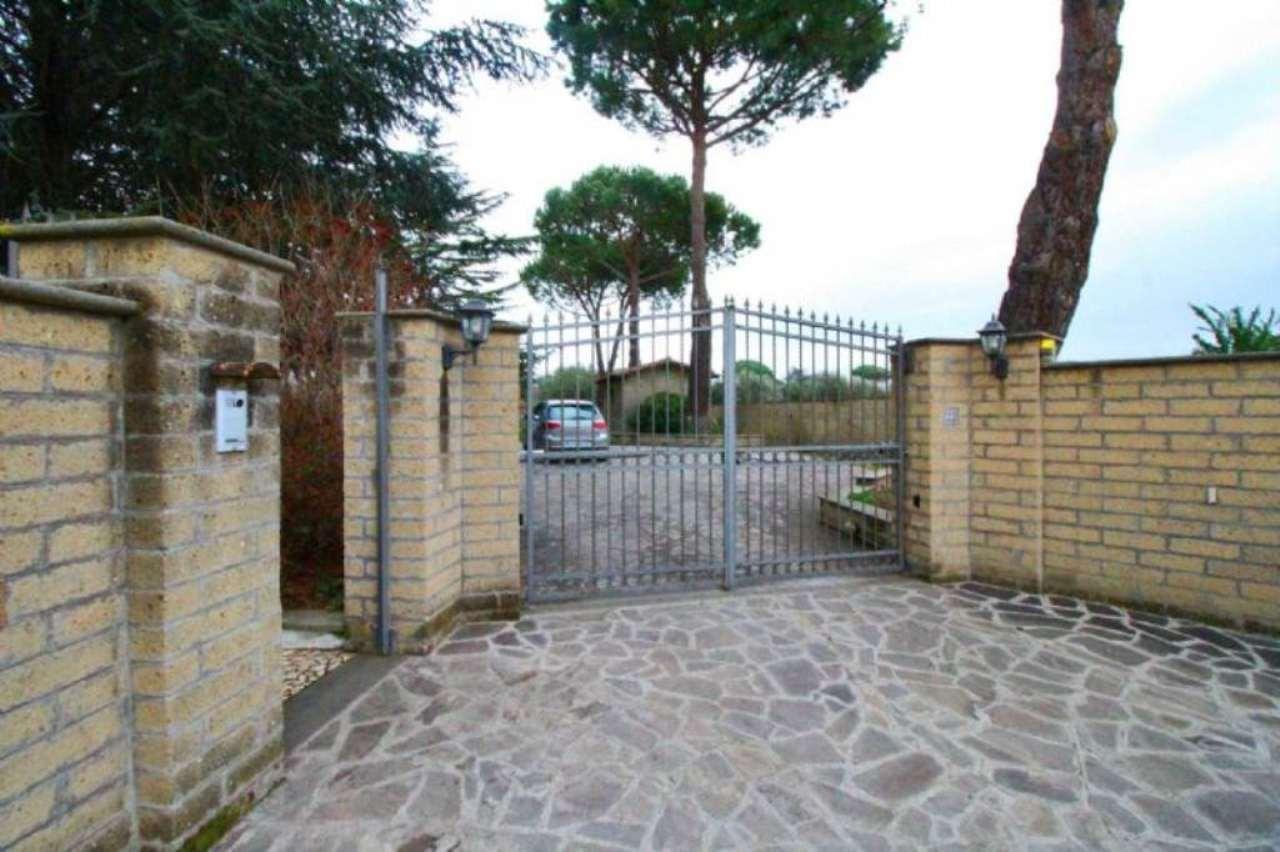 Villa in affitto a Roma, 10 locali, zona Zona: 42 . Cassia - Olgiata, prezzo € 3.500 | Cambio Casa.it