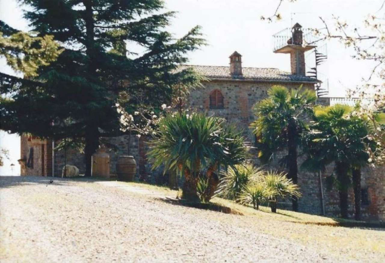 Soluzione Indipendente in vendita a Città della Pieve, 13 locali, prezzo € 2.000.000 | Cambio Casa.it