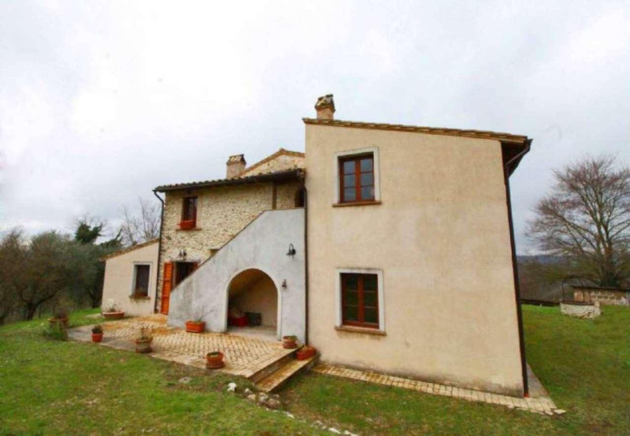 Rustico / Casale in vendita a Calvi dell'Umbria, 9 locali, prezzo € 700.000 | Cambio Casa.it