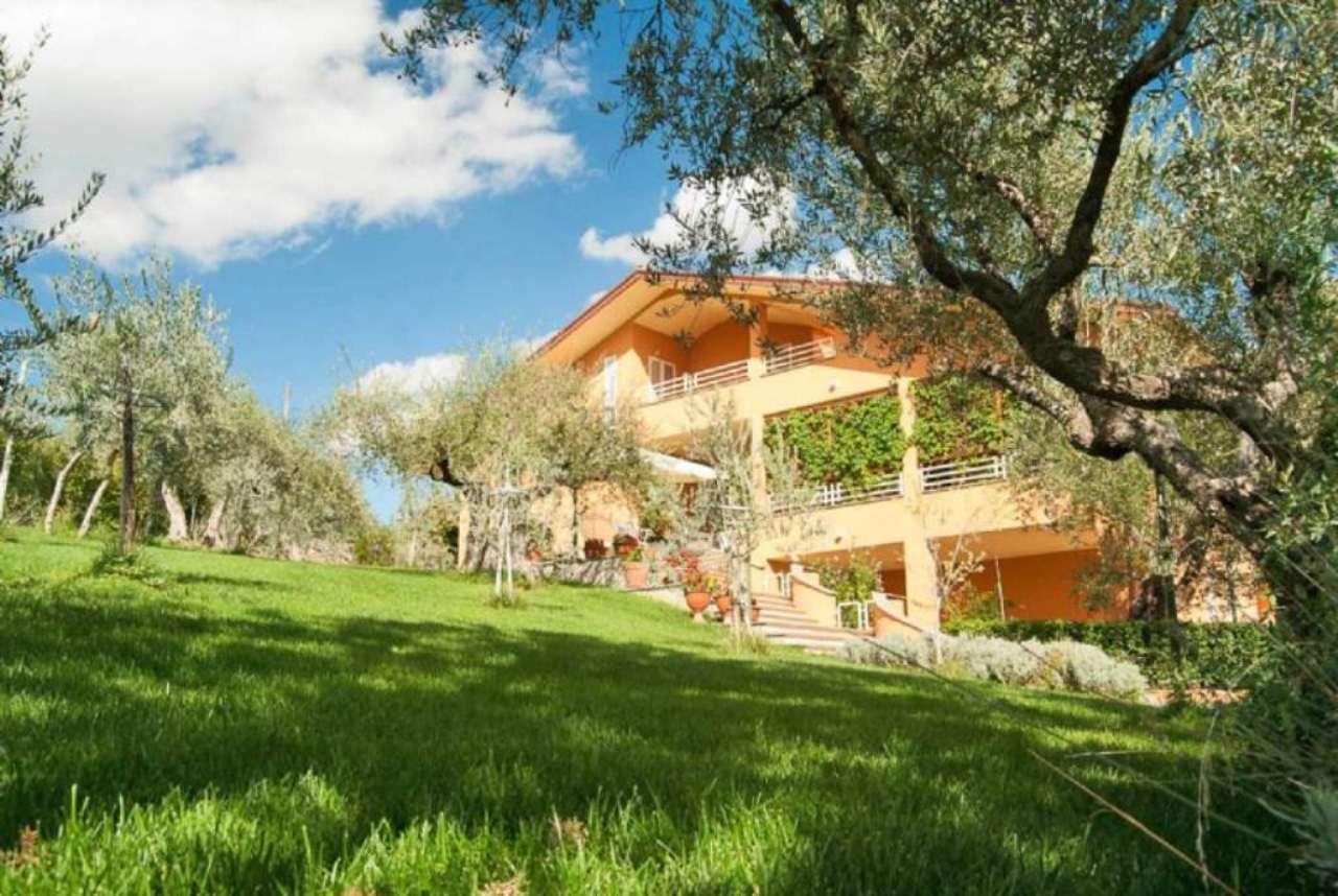 Villa in vendita a Perugia, 12 locali, prezzo € 640.000   Cambio Casa.it