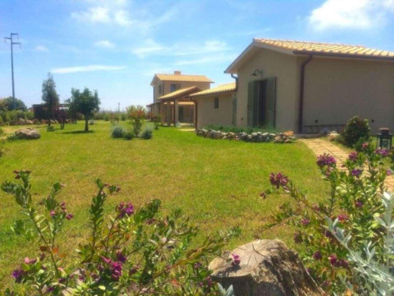 Villa in vendita a Capalbio, 10 locali, prezzo € 1.500.000 | Cambio Casa.it