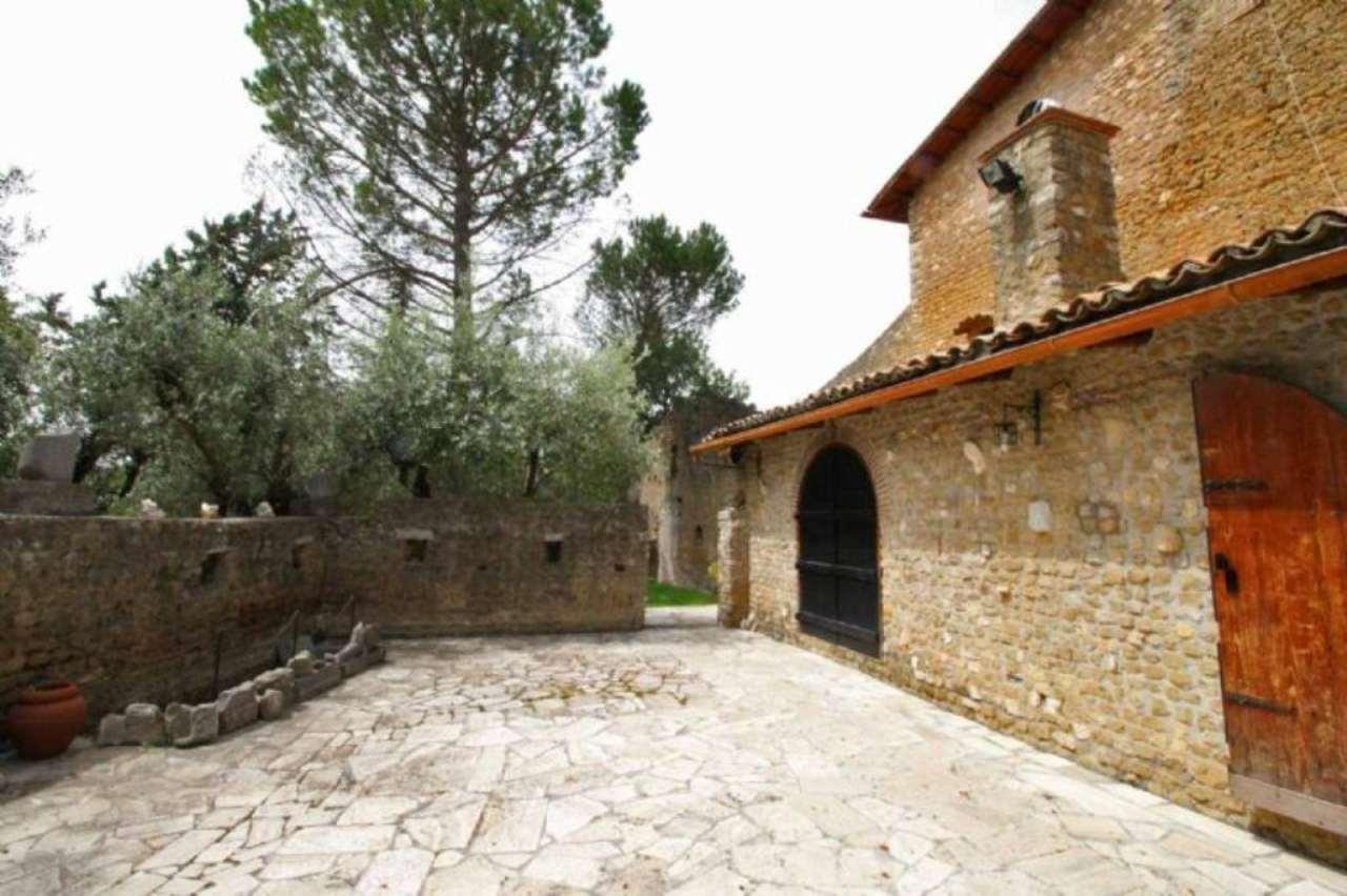 Rustico / Casale in vendita a Tivoli, 6 locali, prezzo € 790.000 | Cambio Casa.it