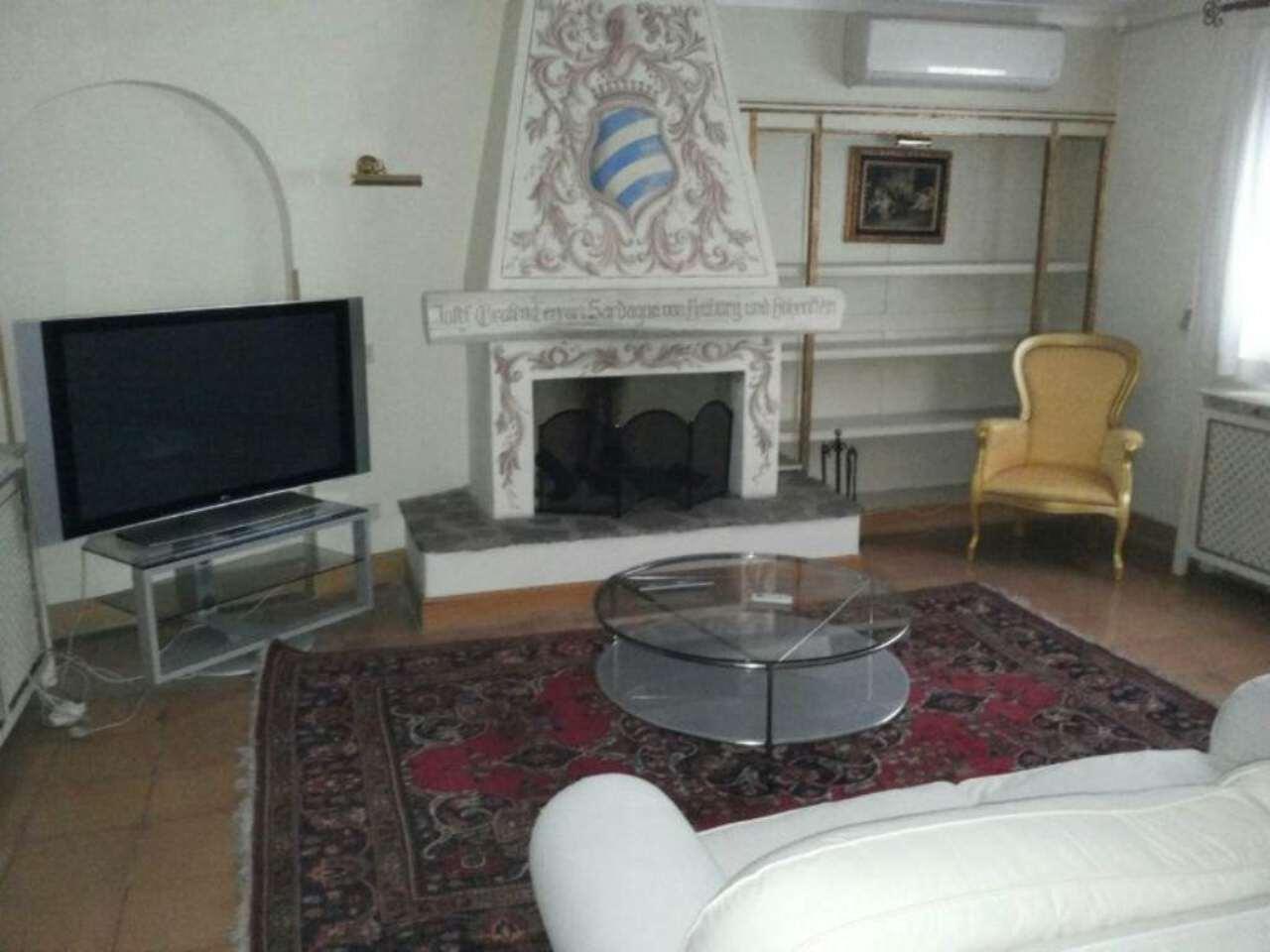 Villa in affitto a Roma, 10 locali, zona Zona: 42 . Cassia - Olgiata, prezzo € 9.000 | Cambio Casa.it