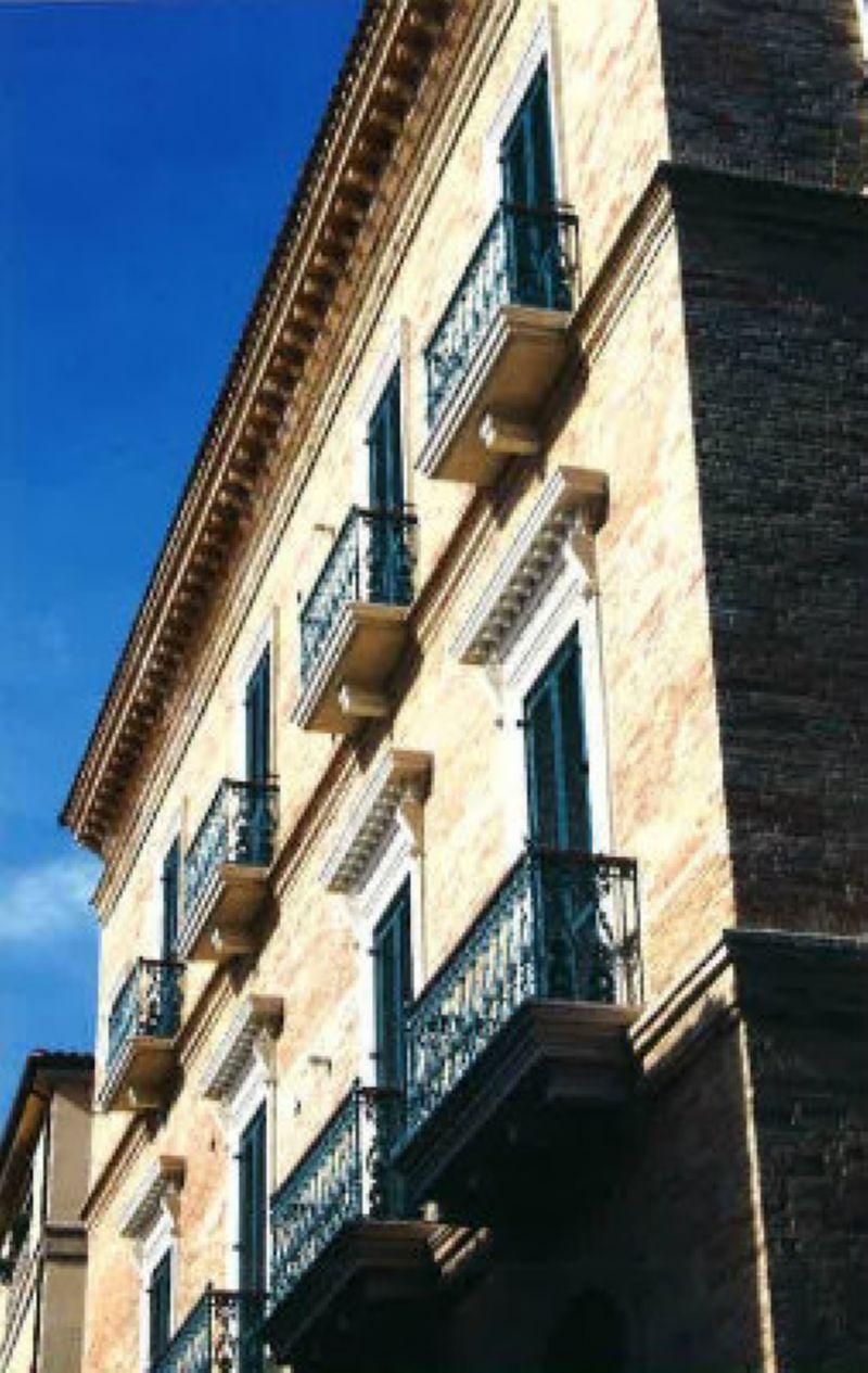 Immobile Commerciale in vendita a Giulianova, 50 locali, prezzo € 4.900.000 | Cambio Casa.it