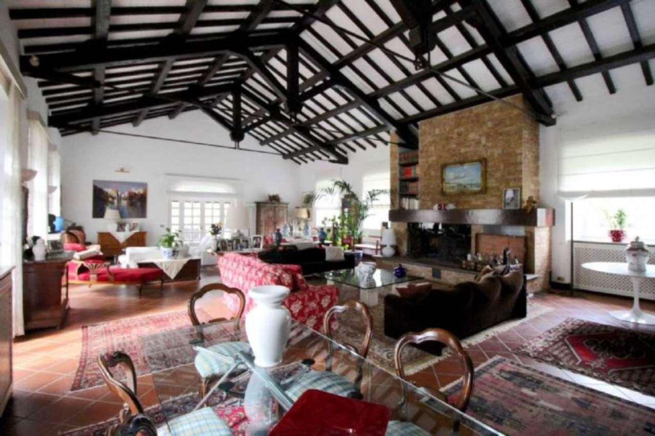 Rustico / Casale in vendita a Roma, 10 locali, zona Zona: 42 . Cassia - Olgiata, prezzo € 1.600.000 | Cambio Casa.it