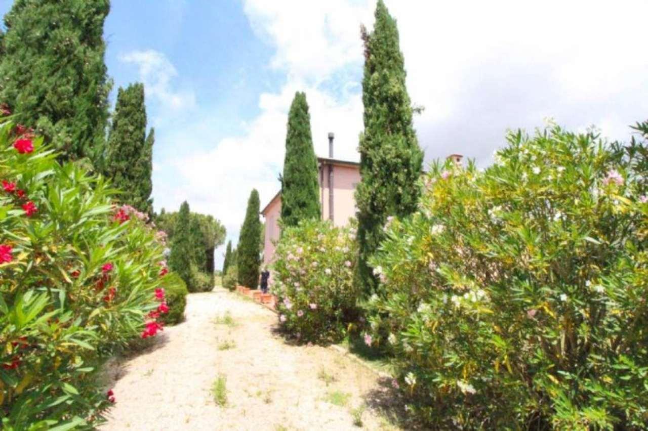 Villa in vendita a Orbetello, 10 locali, Trattative riservate | Cambio Casa.it