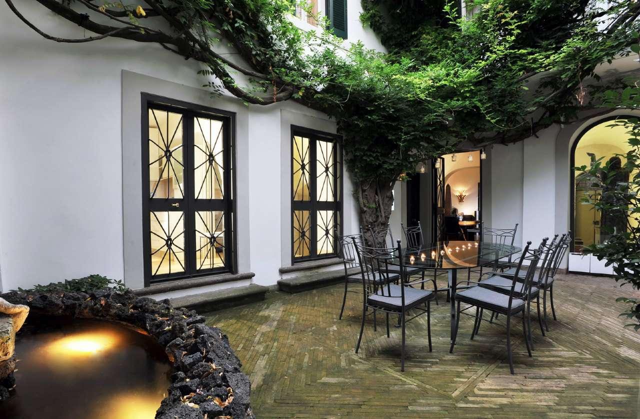 Palazzo / Stabile in vendita a Roma, 5 locali, zona Zona: 25 . Trastevere - Testaccio, prezzo € 3.300.000 | Cambio Casa.it