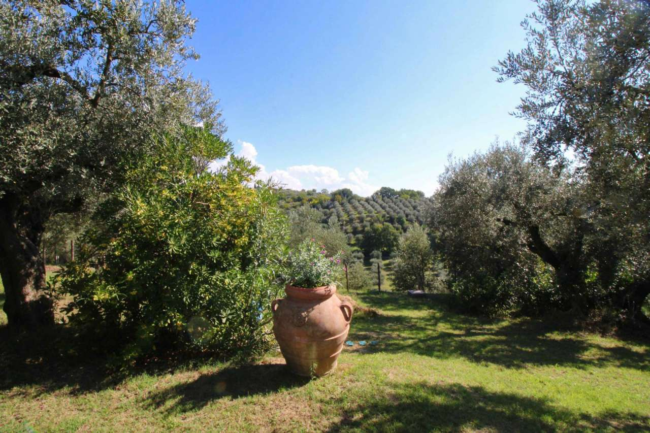 Villa in vendita a Fara in Sabina, 10 locali, prezzo € 1.450.000 | Cambio Casa.it