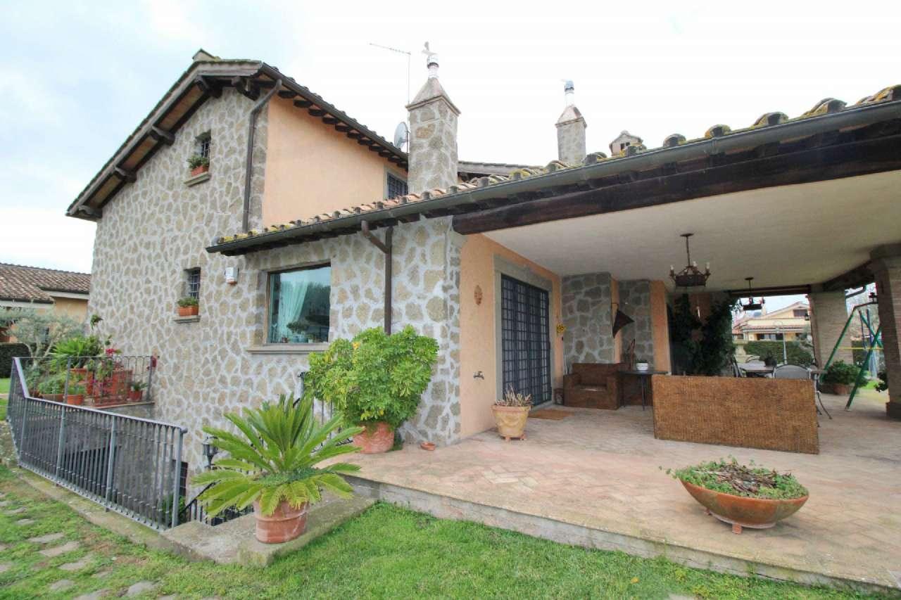 Villa in vendita a Bracciano, 12 locali, prezzo € 1.990.000 | Cambio Casa.it