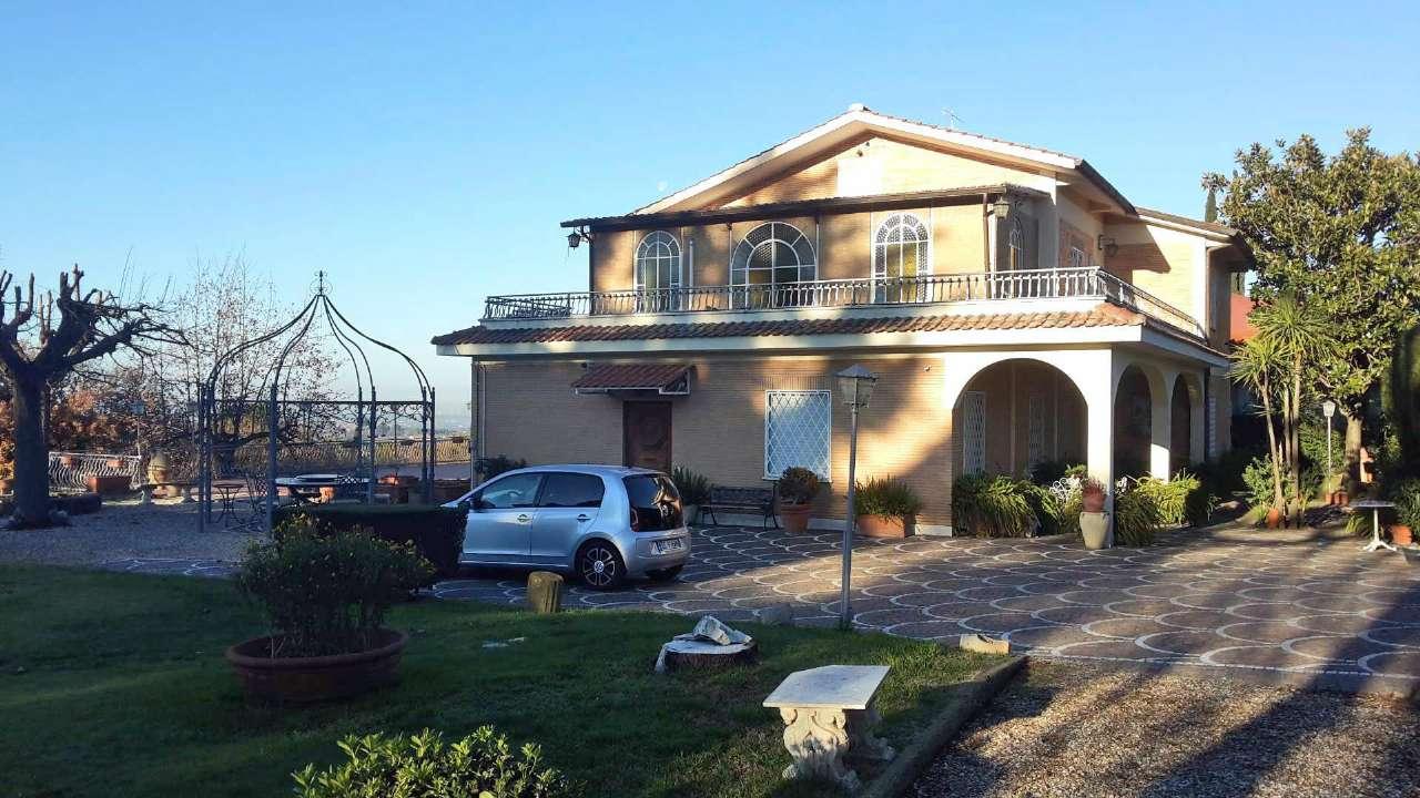 Villa in vendita a Frascati, 12 locali, prezzo € 2.600.000 | Cambio Casa.it