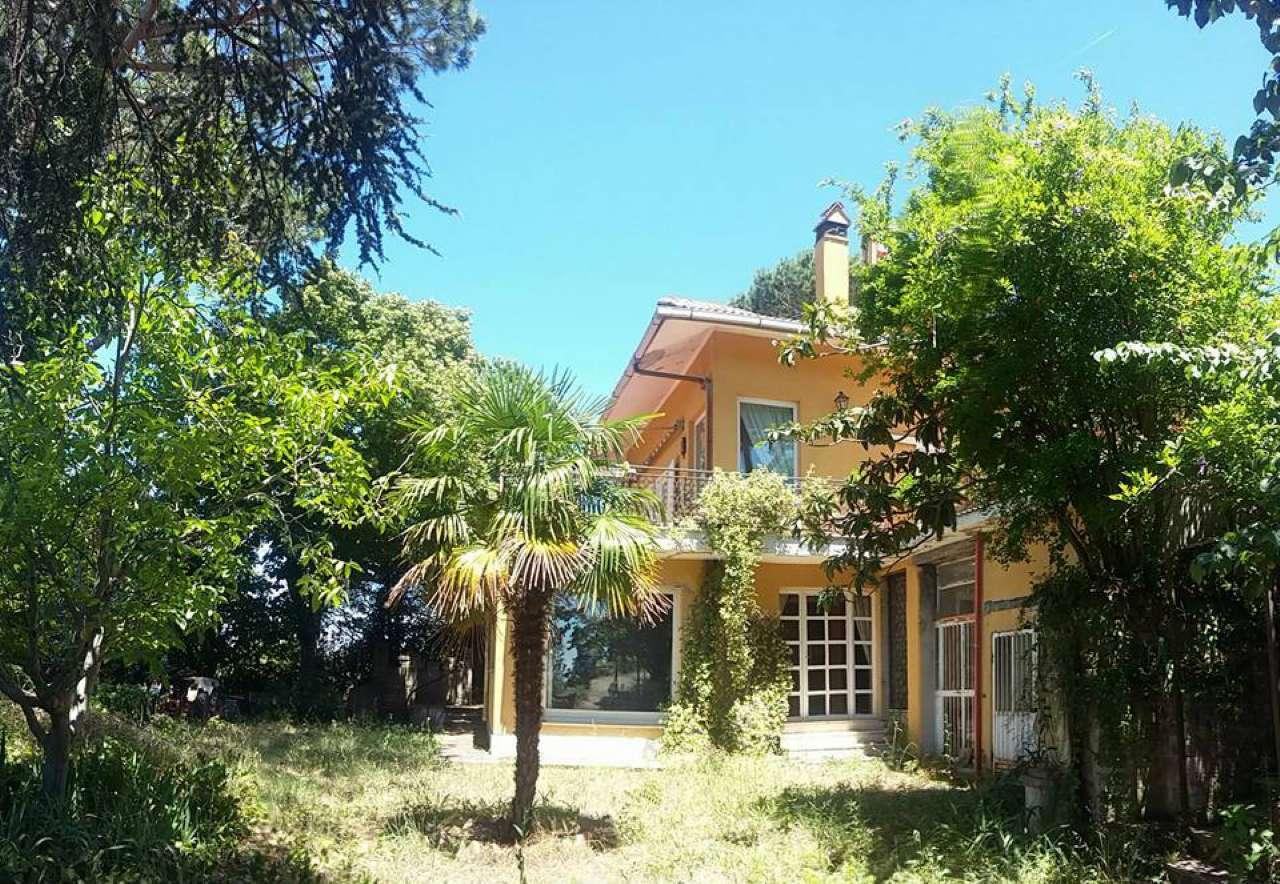Villa in Vendita a Castelnuovo di Porto