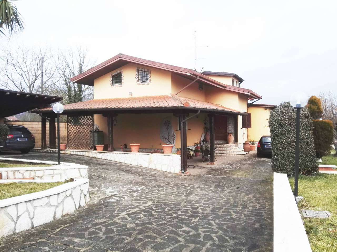 Villa in Vendita a Cave