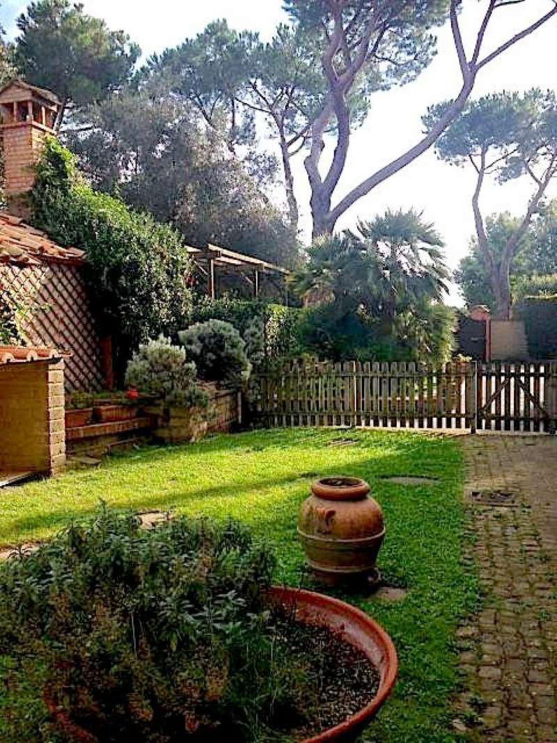Villa in affitto a Roma, 10 locali, zona Zona: 42 . Cassia - Olgiata, prezzo € 5.500 | Cambio Casa.it