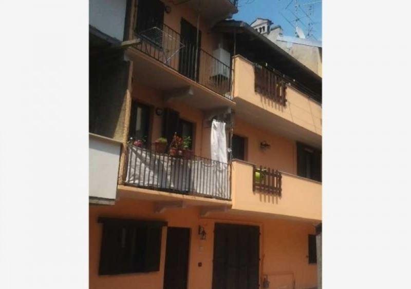 Soluzione Indipendente in vendita a Galliate, 5 locali, prezzo € 190.000 | Cambio Casa.it