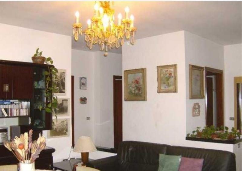 Appartamento in vendita a Cerano, 3 locali, prezzo € 95.000 | Cambio Casa.it