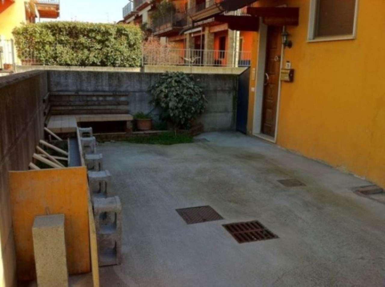 Appartamento in vendita a Castegnato, 3 locali, prezzo € 90.000 | Cambio Casa.it