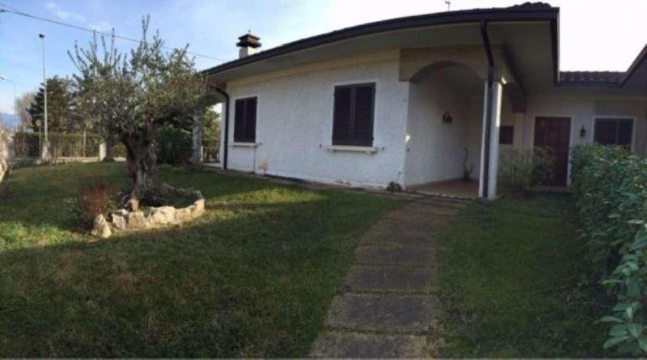 Villa in vendita a Castegnato, 4 locali, prezzo € 300.000 | Cambio Casa.it
