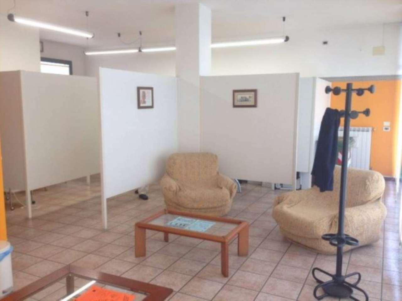 Negozio / Locale in affitto a Castegnato, 1 locali, prezzo € 500 | Cambio Casa.it