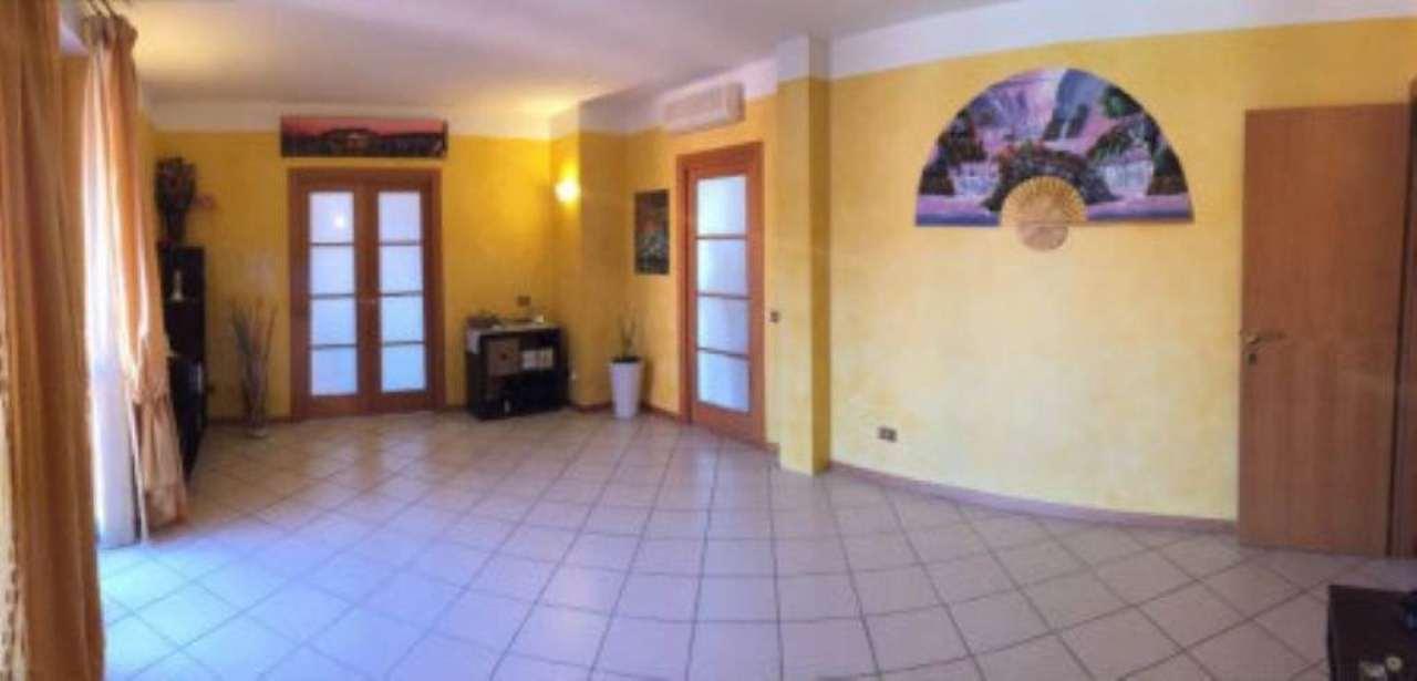 Appartamento in vendita a Castegnato, 4 locali, prezzo € 174.000 | Cambio Casa.it