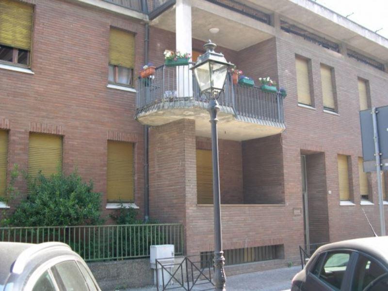 Appartamento in vendita a Tortona, 6 locali, prezzo € 130.000 | Cambio Casa.it