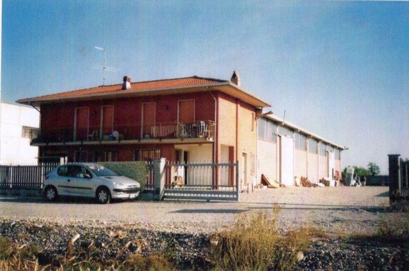 Capannone in vendita a Sale, 9999 locali, prezzo € 370.000 | Cambio Casa.it
