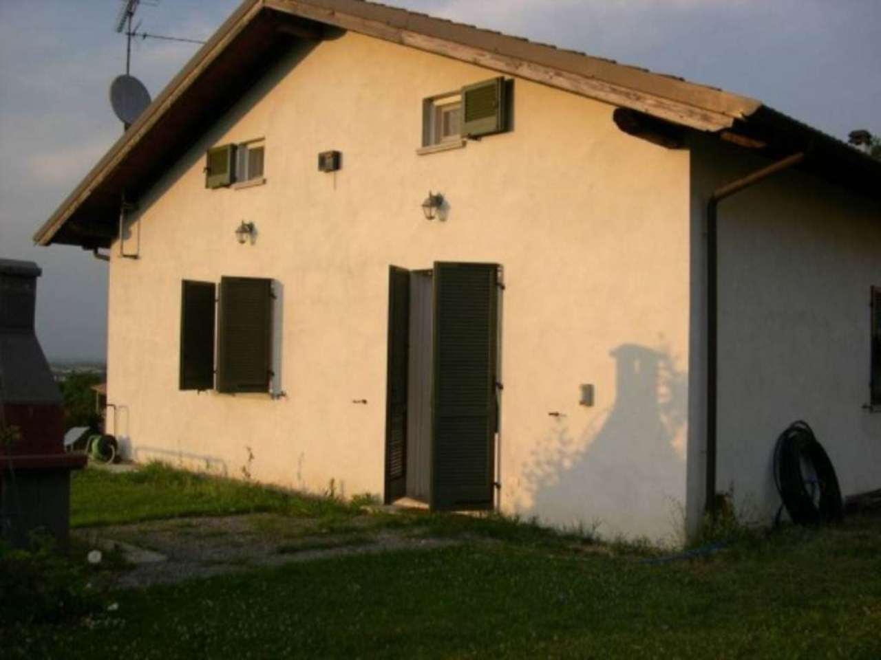 Villa in vendita a Sarezzano, 6 locali, prezzo € 220.000 | Cambio Casa.it