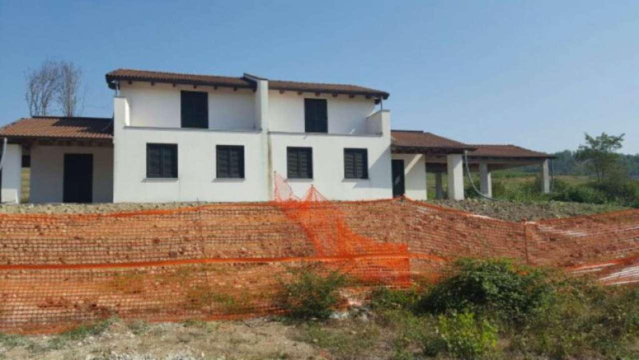 Villa a Schiera in vendita a Montegioco, 8 locali, prezzo € 240.000 | Cambio Casa.it