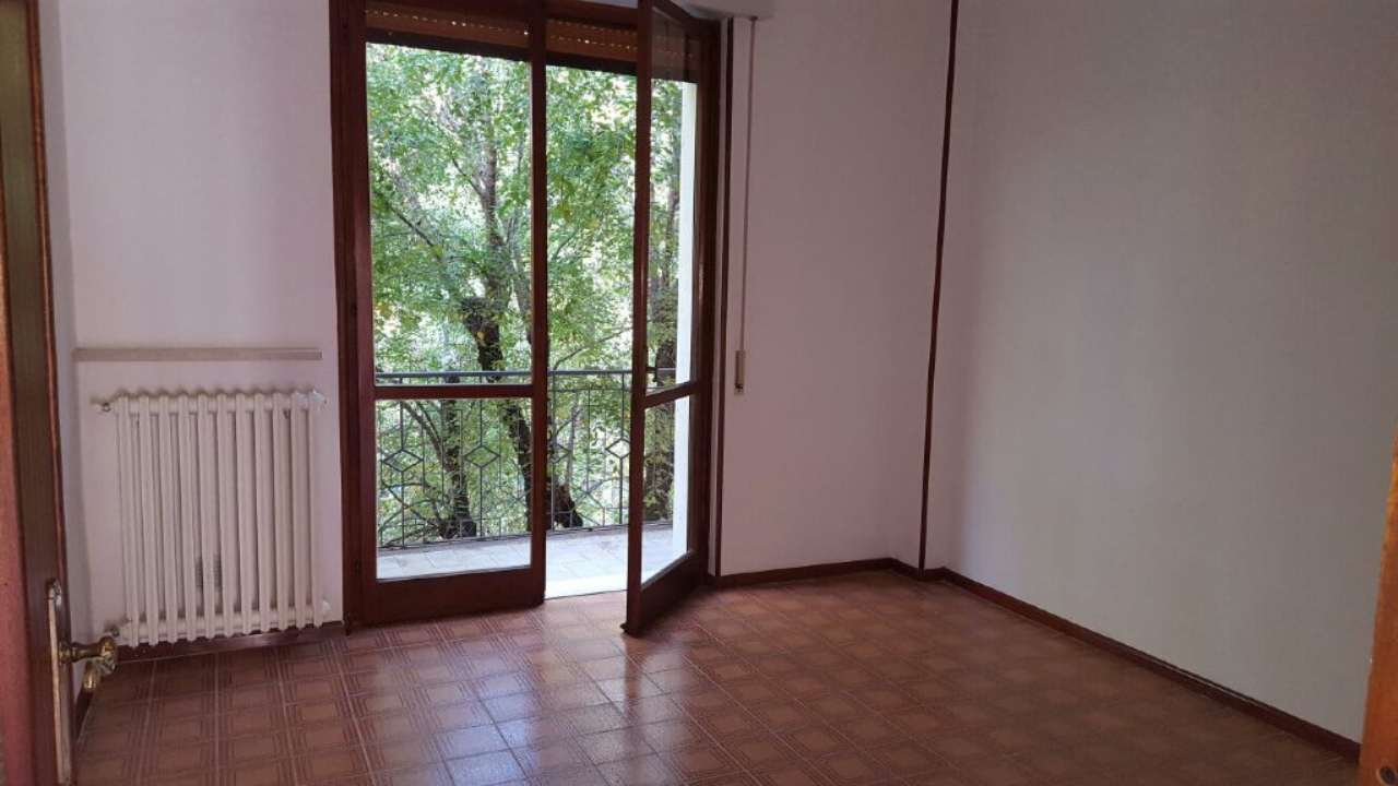 Appartamento in affitto a Tortona, 4 locali, prezzo € 400 | Cambio Casa.it