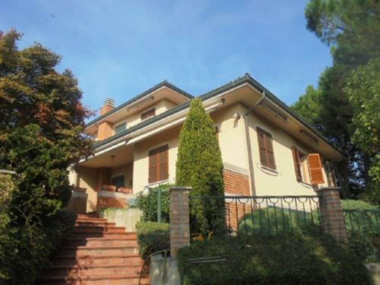 Villa in Vendita a Montebello della Battaglia