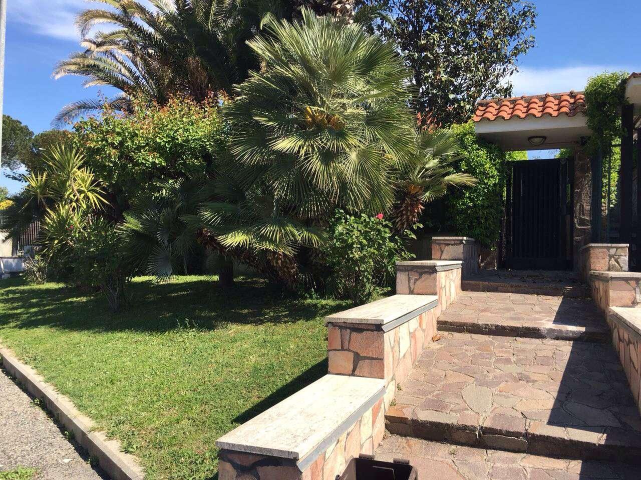 Villa Bifamiliare in affitto a Guidonia Montecelio, 5 locali, prezzo € 1.300 | Cambio Casa.it