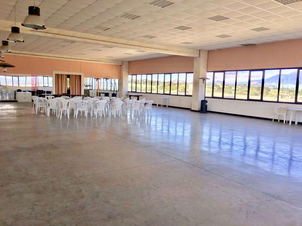 Capannone in affitto a Guidonia Montecelio, 2 locali, prezzo € 2.500 | CambioCasa.it