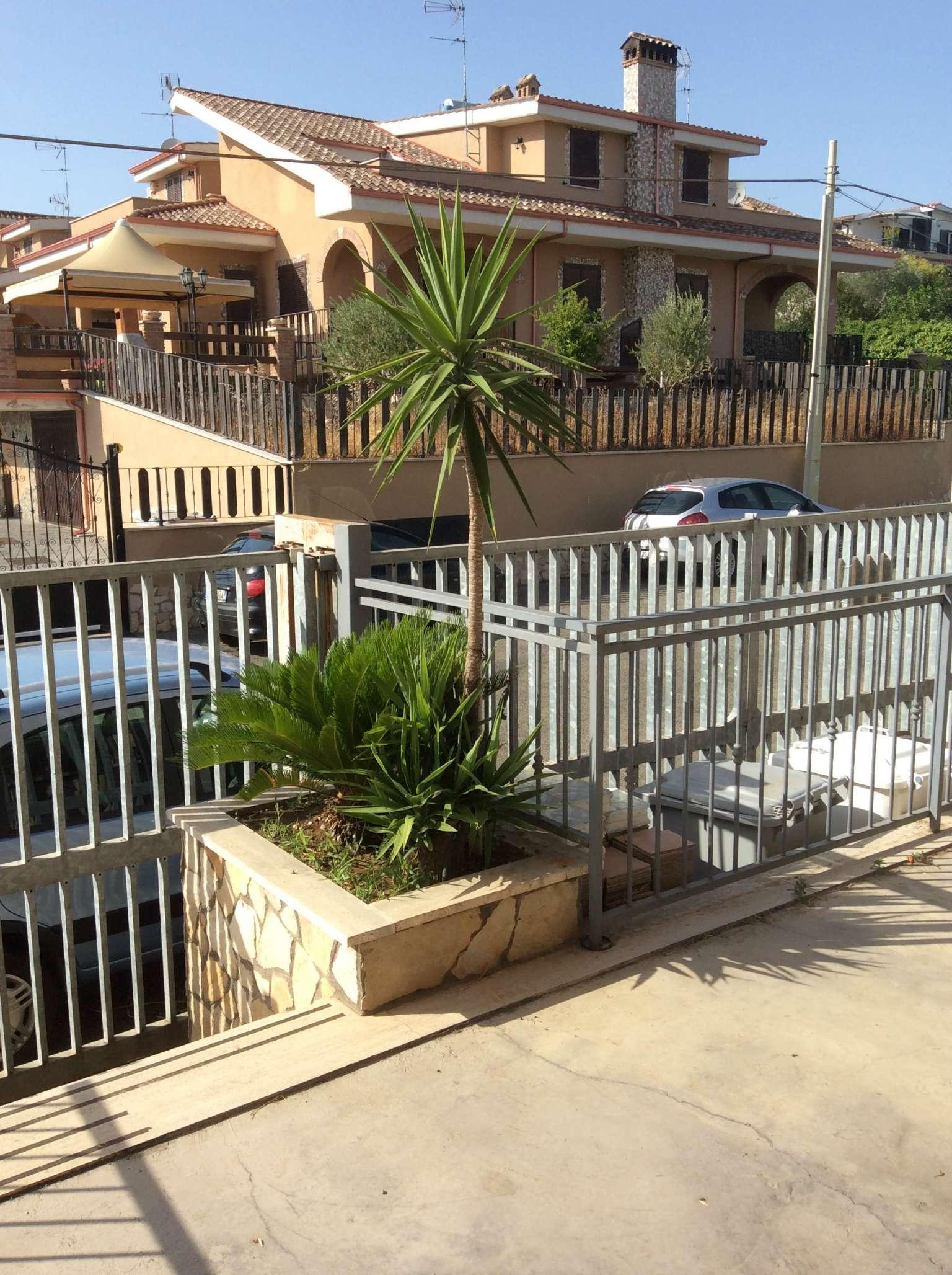 Negozio / Locale in affitto a Guidonia Montecelio, 2 locali, prezzo € 1.300 | CambioCasa.it