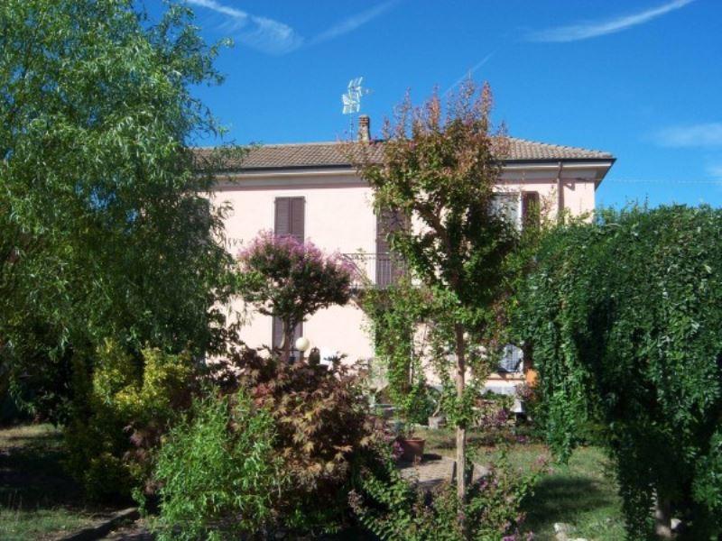 Villa in vendita a Pavia, 6 locali, prezzo € 245.000   Cambio Casa.it