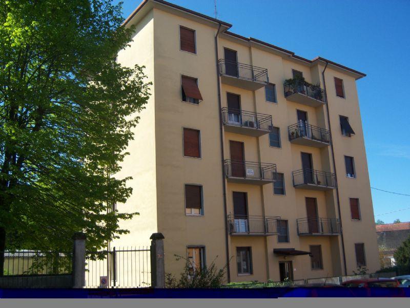 Appartamento in vendita a Casteggio, 5 locali, prezzo € 58.000   Cambio Casa.it